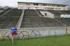 Stadion Skry Warszawa kiedyś tętnił życie. Dziś to totalna ruina.