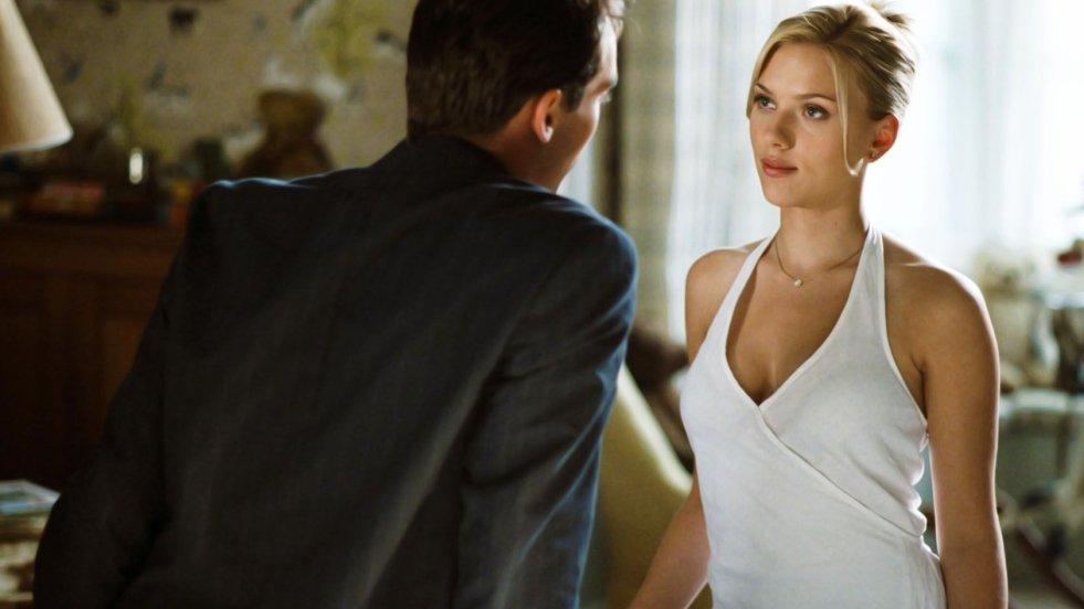 Nieperfekcyjna, chociaż zabójczo uwodzicielska Scarlett Johansson