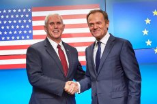 Kim jest mężczyzna z lewej? To wiceprezydent USA Mike Pence, który podczas wizyty w Europie nie znalazł czasu dla prezydenta Andrzeja Dudy, ale spotkał się z innym wpływowym Polakiem.