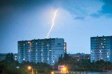 Instytut Meteorologii i Gospodarki Wodnej ostrzega przed burzami i opadami deszczu.
