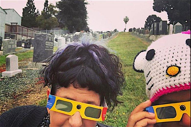 Cmentarz trójwymiarowy – czy ciebie również to bawi?