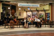 Sieć Starbucks może mieć problemy w związku z oskarżeniem o oszukiwanie klientów.