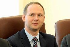 Markowi Chrzanowskiemu, skompromitowanemu szefowi KNF, grożą również konsekwencje na uczelni.