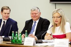 Poseł PiS Marek Suski kolejny raz ośmieszył się próbując przesłuchać świadka na sejmowej komisji śledczej ds. Amber Gold.