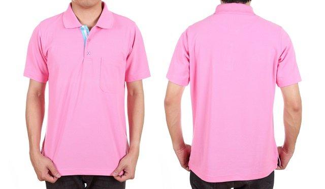 Różowa koszulka bardziej na luzie.