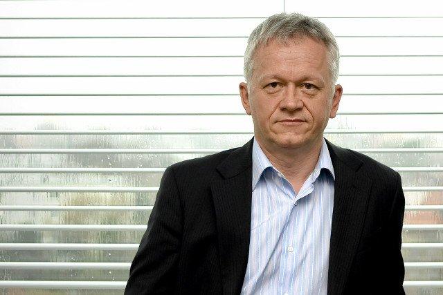 """Grzegorz Dzik, twórca Impel – największej w Polsce firmy zatrudniającej sprzątaczy, chce """"naprawić rynek pracy""""."""