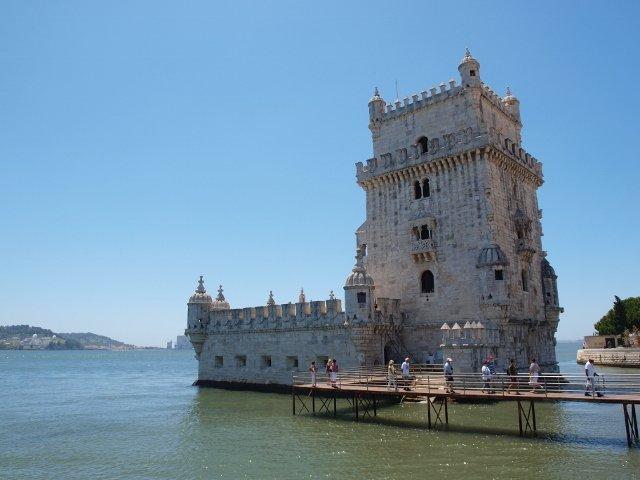 Portugalia to kraj przede wszystkim bogaty we wspaniałe zabytki, z niezwykłym klimatem miast takich jak Porto czy Lizbona.