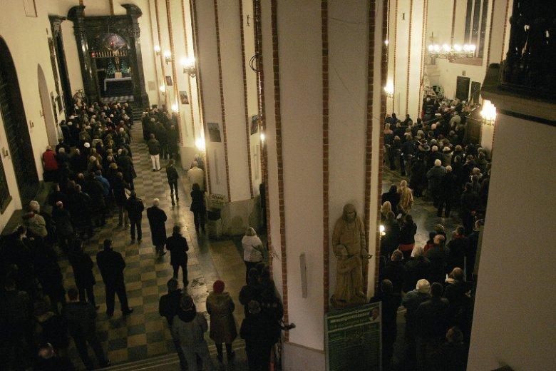 Terroryści chcieli wysadzić polskie katedry. W wigilię mogły zginąć tysiące Polaków