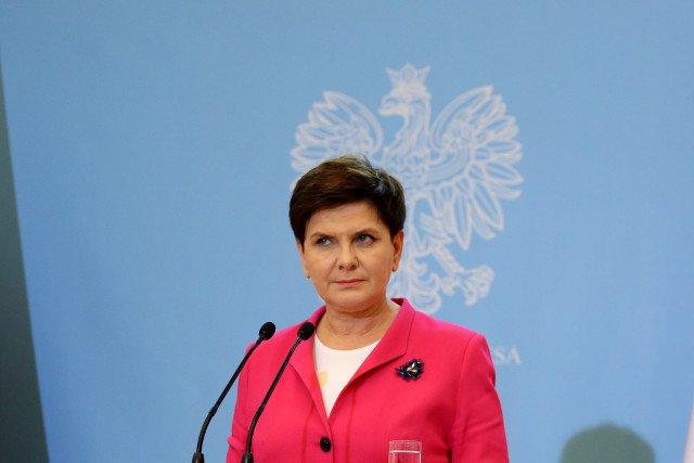 """Beata Szydło w zeszłym tygodniu zapowiedziała, że rządowy program """"Za życiem"""" będzie kompleksowym programem wsparcia, teraz dokument idzie pod obrady Sejmu."""