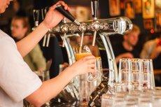 Restauracja ma zapłacić Anyszowi 14 tys. funtów odszkodowania.