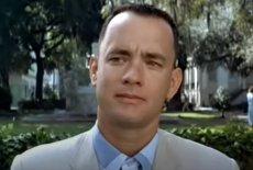 """Aktor Tom Hanks niczym legendarny Forrest Gump w 2020 roku przeżył tyle niespodziewanych wydarzeń, że mógłby je rozdzielić na co najmniej kilka życiorysów. W """"The Guardian"""" opowiedział o tym, jak pokonał covid-19."""