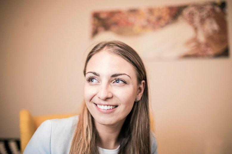 Kinga Gajewska przekazała Mariuszowi Błaszczakowi pozdrowienia od swojego taty po tym, jak na płocie jej rodziców zawisnął baner szefa MON.