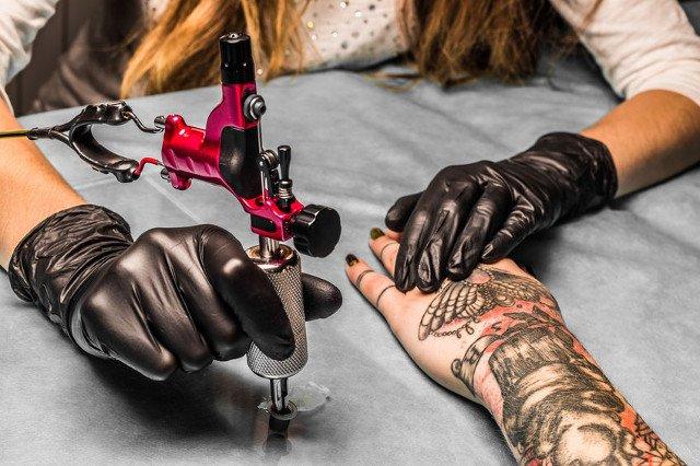 Tatuaże Mogą Powodować Raka Jeden Z Barwników Jest