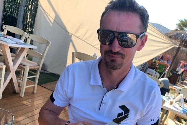Adam Małysz od kilku lat promował Neckermanna w swoich mediach społecznościowych.