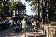 Gdzie Polacy będą mogli wyjechać na wakacje? Wiceszef resortu rozwoju mówi o możliwych kierunkach.