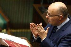 Poseł PO Robert Kropiwnicki zemdlał podczas wygłaszania przemówienia, które stanowiło część debaty nad wotum nieufności wobec szefa MSWiA Mariusza Kamińskiego.