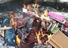 Księża palili książki w Gdańsku. Wziął ich na celownik zastępca Aleksandry Dulkiewicz.