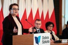 Kompromitacja resortu Anny Zalewskiej. MEN nie dostanie 70 mln dotacji z UE, bo nie miał na czas podstawy programowej