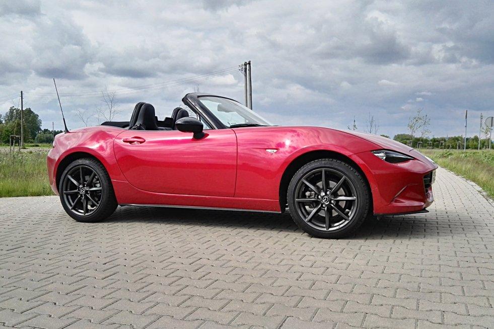 Mazda MX-5 to najpopularniejszy roadster.