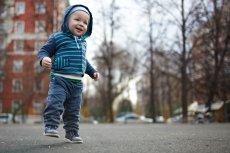 Czy można zapomnieć o dziecku? Polacy wydali wyrok na ojcu dziecka zmarłego w samochodzie