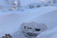 Na Islandii z powodu bombogenezy w krótkim czasie wszystko zostało pokryte grubą warstwą śniegu.