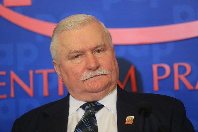 """Wałęsa o uchodźcach: """"Muszę to z żoną uzgodnić, ale ja jestem za tym żeby ich przyjąć, nawet do własnego domu"""""""