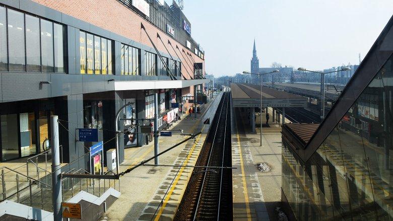 Galeria Metropolia położona jest tuż obok torów trójmiejskiej SKM.