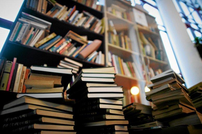 Co zrobić ze starymi książkami? To problem, z którym mierzy się prawie każdy z nas.