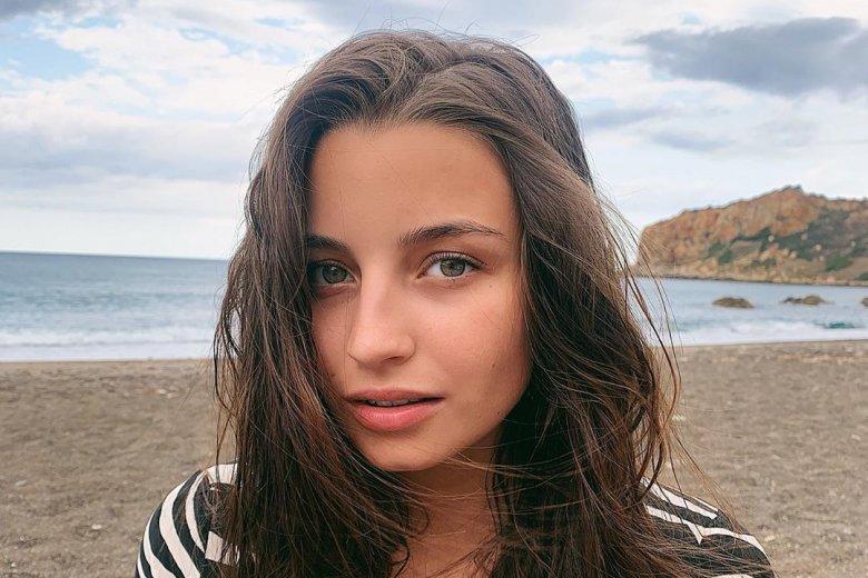 """Julia Wieniawa to młoda aktorka, którą możemy zobaczyć w serialu """"Zawsze warto"""""""