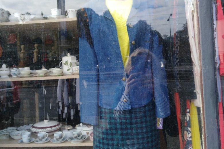 Jeansowa kurtka z lat 80.