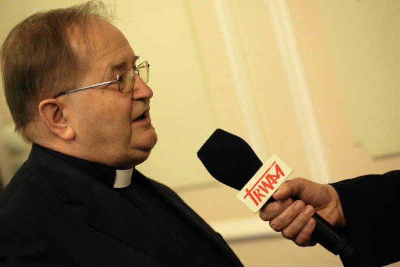 Kolejne organizacje związane z ojcem Tadeuszem Rydzykiem dostająpieniądze od rządu.