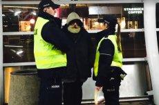 Sytuacja z jednego z warszawskich przystanków poruszyła internautów i znanego z akcji społecznych Filipa Chajzera.
