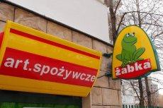 Właściciel sklepu Żabka w Ostrowie Wielkopolskim w niehandlowe niedziele nie chce obsługiwać członków i sympatyków PiS. Jak pisze w obwieszczeniu, zabrania mu tego klauzula sumienia.