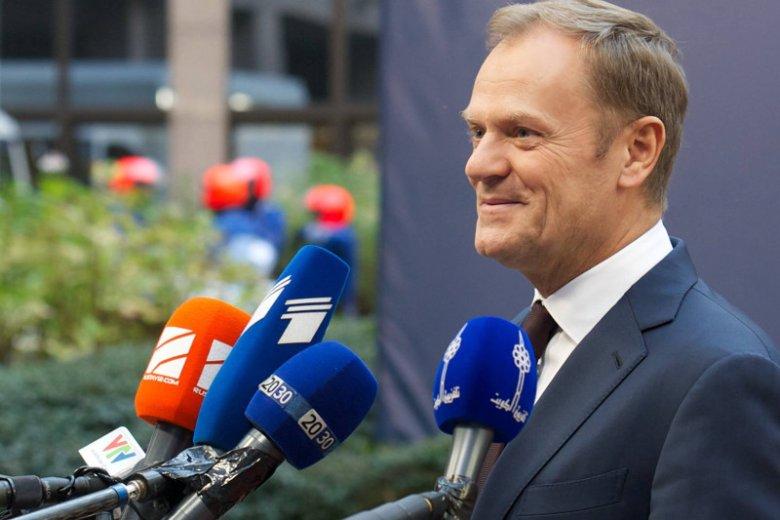 PiS zrobił najlepszy prezent Tuskowi. Walka z nim pokazała, jak wielkim poparciem cieszy się w Europie były szef polskiego rządu.