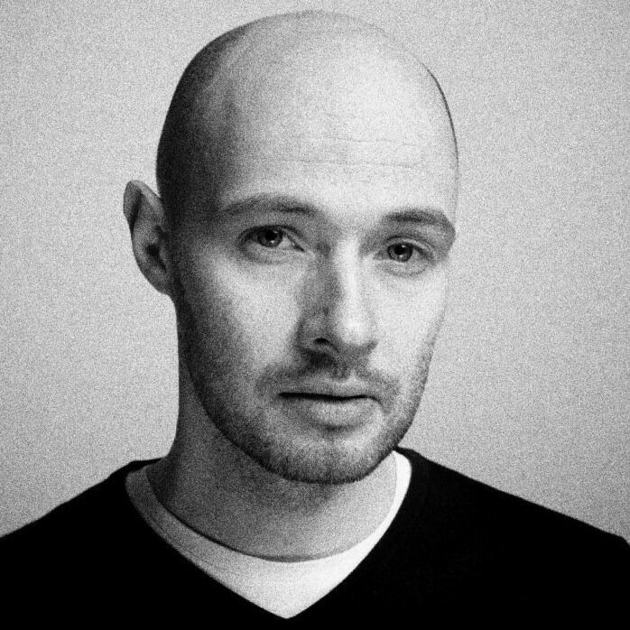 Kasperski jest absolwentem Łódzkiej Filmówki.
