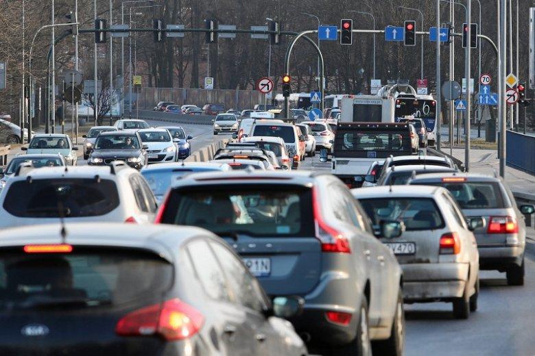 Już niedługo kierowcy prawdopodobnie nie będą musieli mieć przy sobie papierowego prawa jazdy.