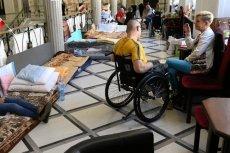 Morawiecki obiecał niepełnosprawnym 500 zł. Nie powiedział jednak kiedy je dostaną.