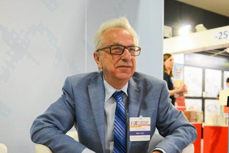 Prof. Zbigniew Lew-Starowicz twierdzi, że problem pedofilii wśród kobiet jest niedostrzegalny