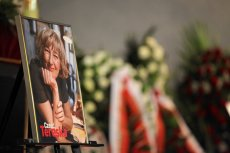 Uroczystości pogrzebowe dziennikarki Teresy Torańskiej na warszawskich Powązkach.