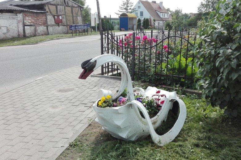Krasnale Ogrodowe Idą Na Fajans Polskie Podwórka Podbijają
