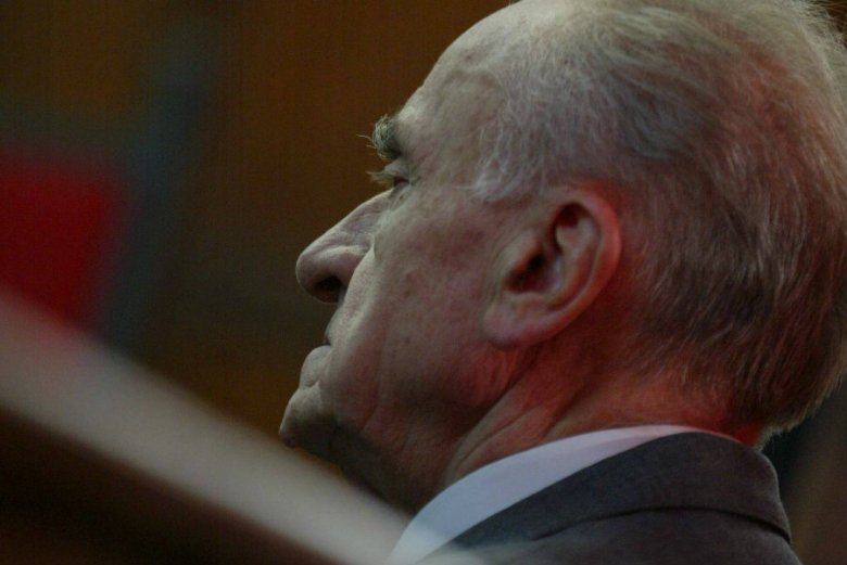 Władysław Ciastoń został skazany na dwa lata więzienia za wcielenie działaczy opozycji antykomunistycznej do obozów internowania. Wyrok usłyszał też Józef Sasin.