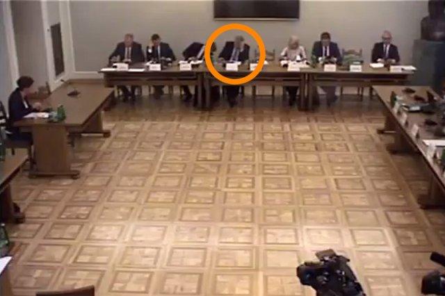 Poseł PiS Marek Suski zaliczył kolejną wpadkę podczas obrad komisji ds. Amber Gold.