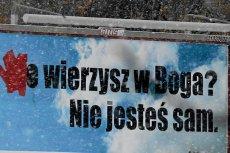 Pomazany billboard, który miał propagować ateizm