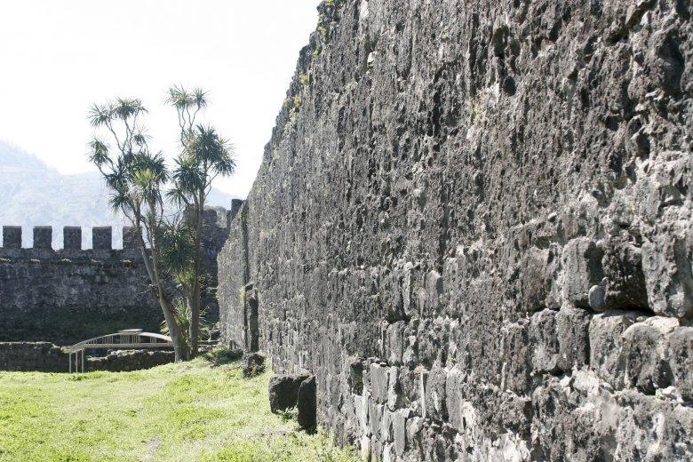 Mury antycznej twierdzy Apsaros