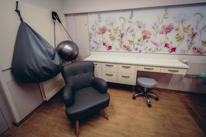 Jedna z wyremontowanych sal oddziału położniczego Szpitala na Polnej w Poznaniu