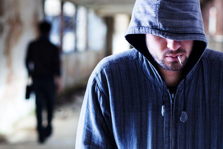 Ofiarą stalkera padł już co ósmy Polak. Psycholog społeczny tłumaczy, że stalking to nie tylko problem gwiazd, a głównym narzędziem takich przestępców jest internet.