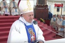 """Biskup Edward Frankowski na Jasnej Górze krytykował LGBT i marsze równości. Mówił o """"wojnie religijnej""""."""