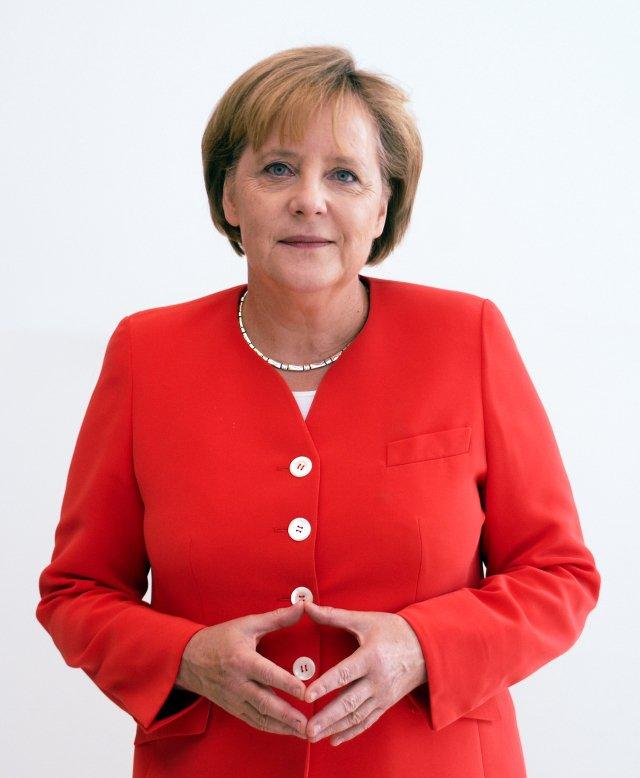 Ikona kobiecego stylu? Zdaniem Janusza Bielenia w kwestii ubioru formalnego Angela Merkel trafia w punkt. Fot. Armin Linnartz / [url=http://bit.ly/1aZUsfc]CC BY-SA 3.0[/url]