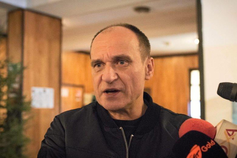 Paweł Kukiz trafił do szpitala wczoraj, ale od Facebooka nie odpoczywa.