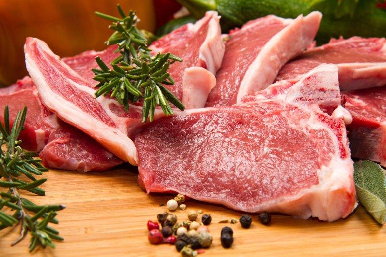Świeży kotlet jagnięcy to rarytas.